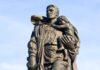 русские должны покаяться за победу в Великой Отечественной