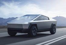 Американский инженер Илон Маск представил бронированный автомобиль будущего