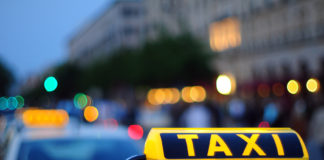 Россия: Чиновников пересадят на такси
